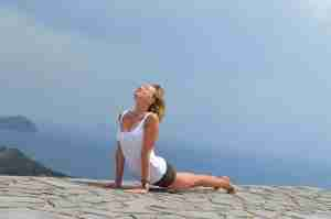 piegamenti all'indietro, yoga, significato